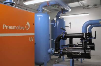 Vakuová stanice s vývěvou UV30, vakuovým zásobníkem 1000l a předfiltrem VP150